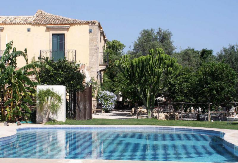 Agriturismo Sicily Authentic agriturismo near the sea with a romantic courtyard