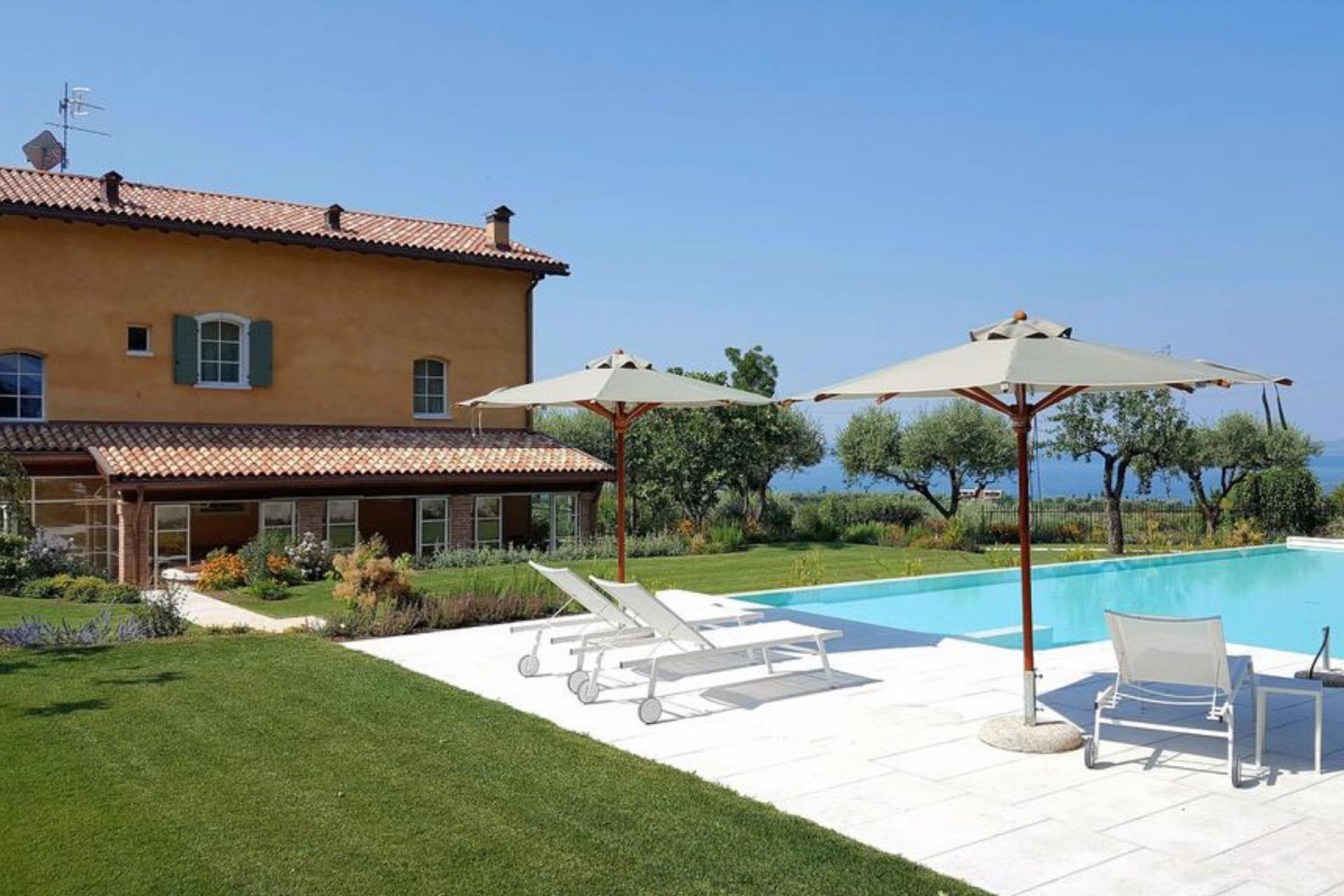 Agriturismo Lake Como and Lake Garda Charming agriturismo with a view of Lake Garda