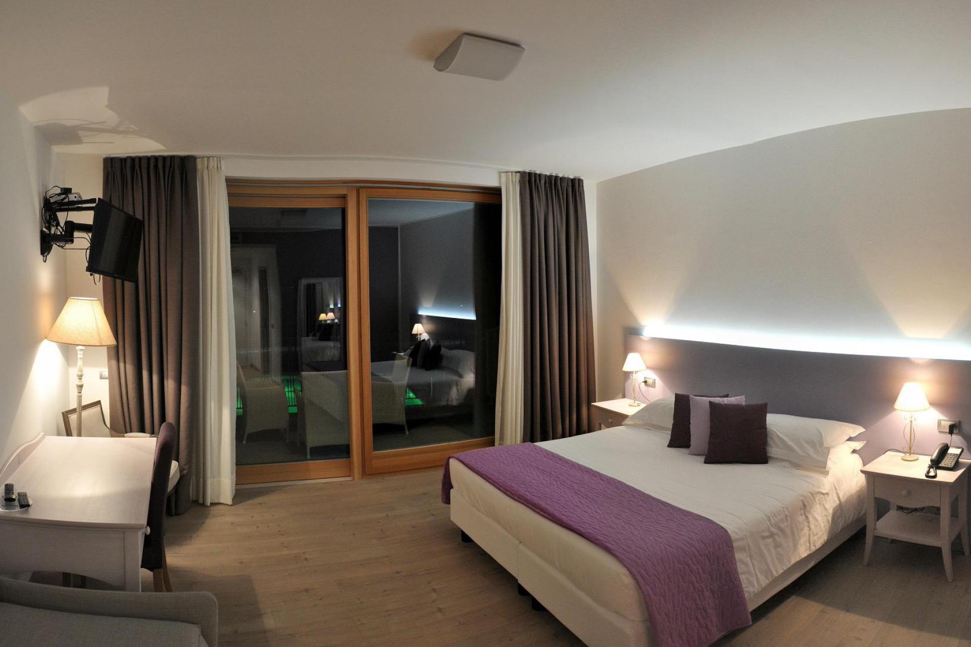 Agriturismo Lake Como and Lake Garda Small country hotel in wonderful location on Lake Como
