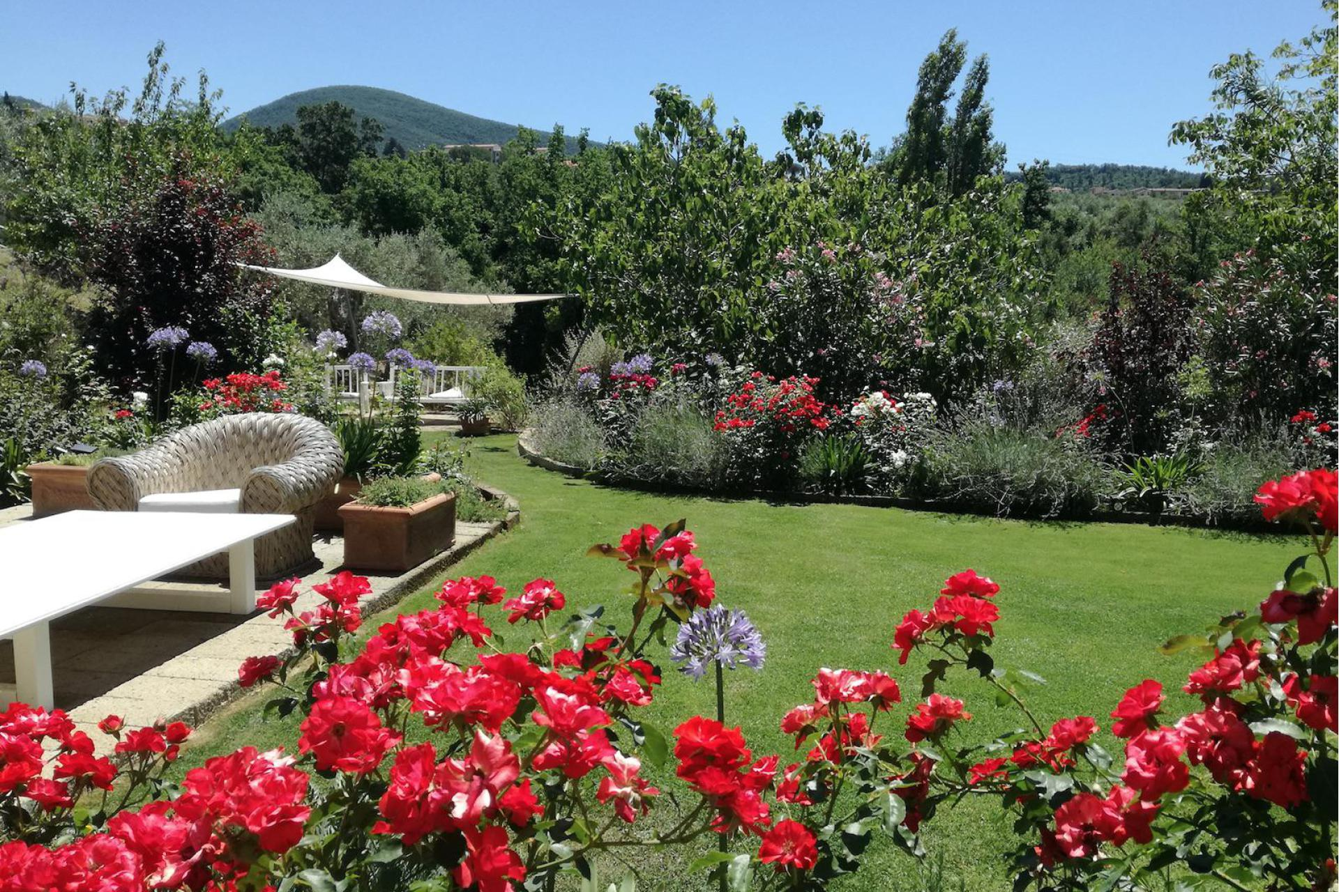 Agriturismo Tuscany Small organic holiday farm in the Tuscan hills