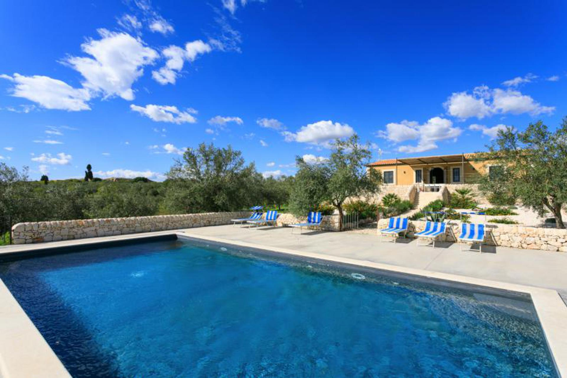 Agriturismo Sicily Villa Sicily with private pool and sea view
