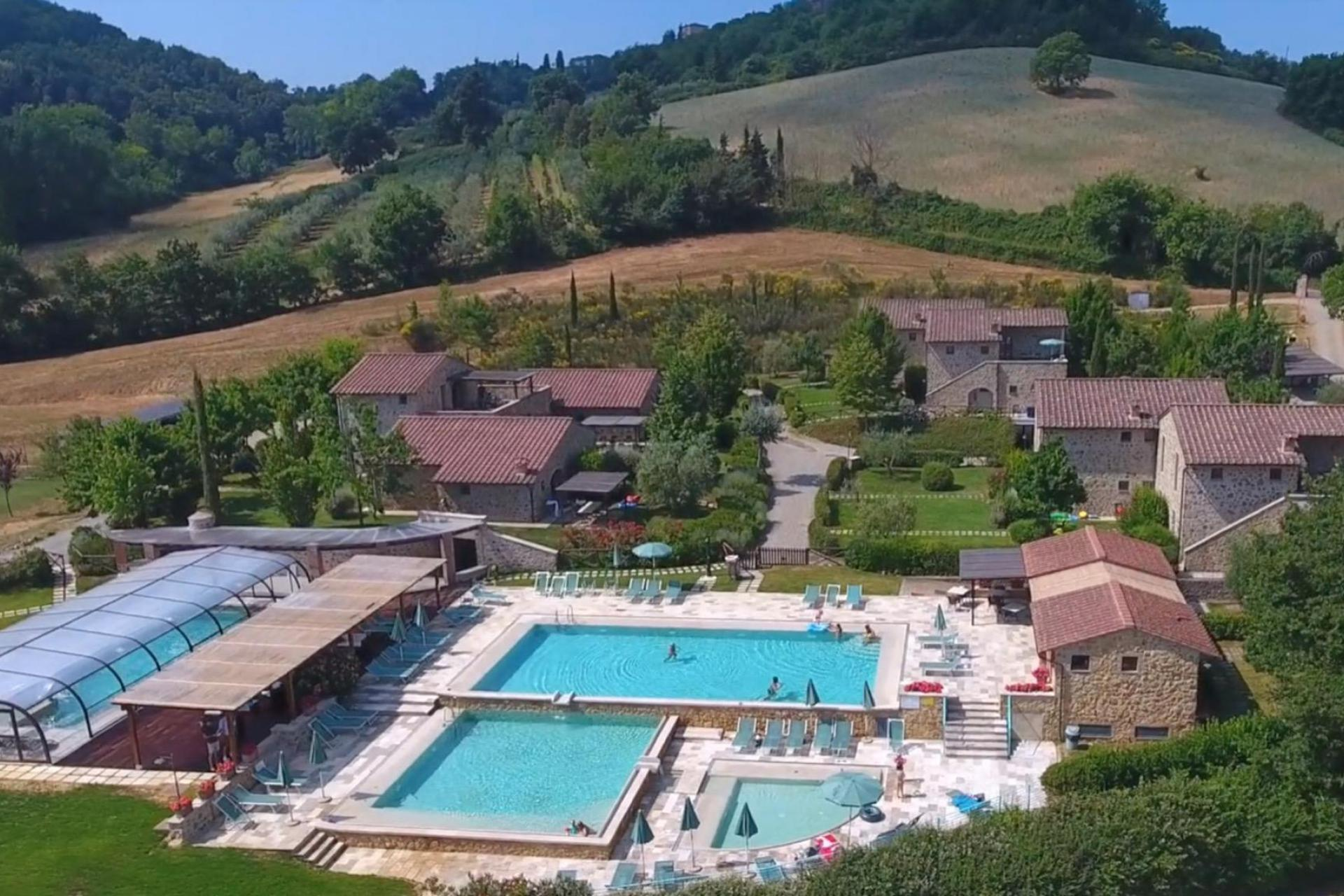 Family-friendly country resort with 4 beautiful swimming pools